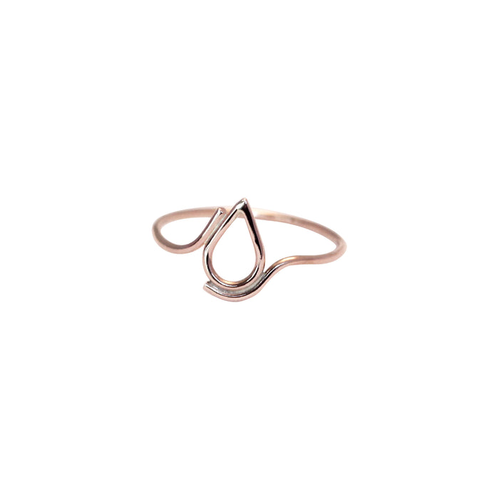 Filippa Ring 9ct Red Gold without background closeup