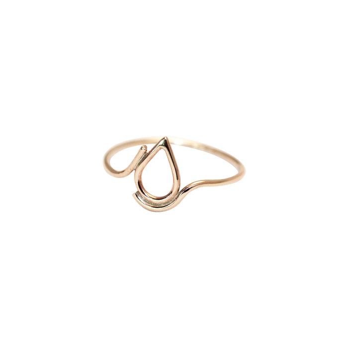 Filippa Ring in recycled 9 ct gold by M of Copenhagen without background