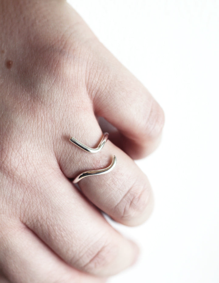 Hera silver ring by M of Copenhagen on models hand