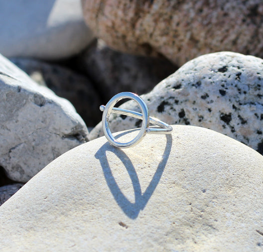 Hoop Ring by M of Copenhagen showcased on rocks
