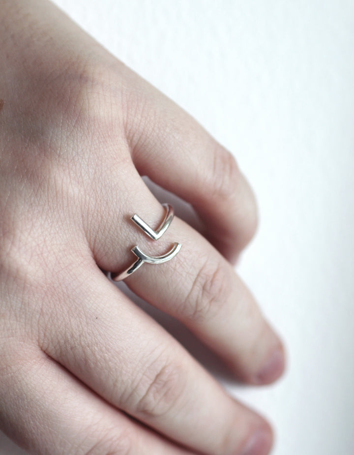 Naxos silver ring by M of Copenhagen on models hand