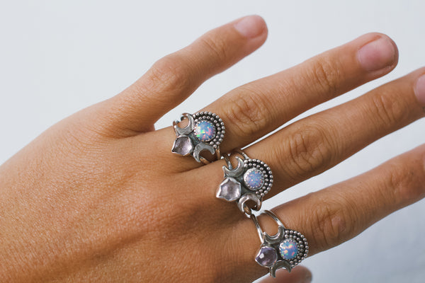 Extraterrestrial Queen Ring