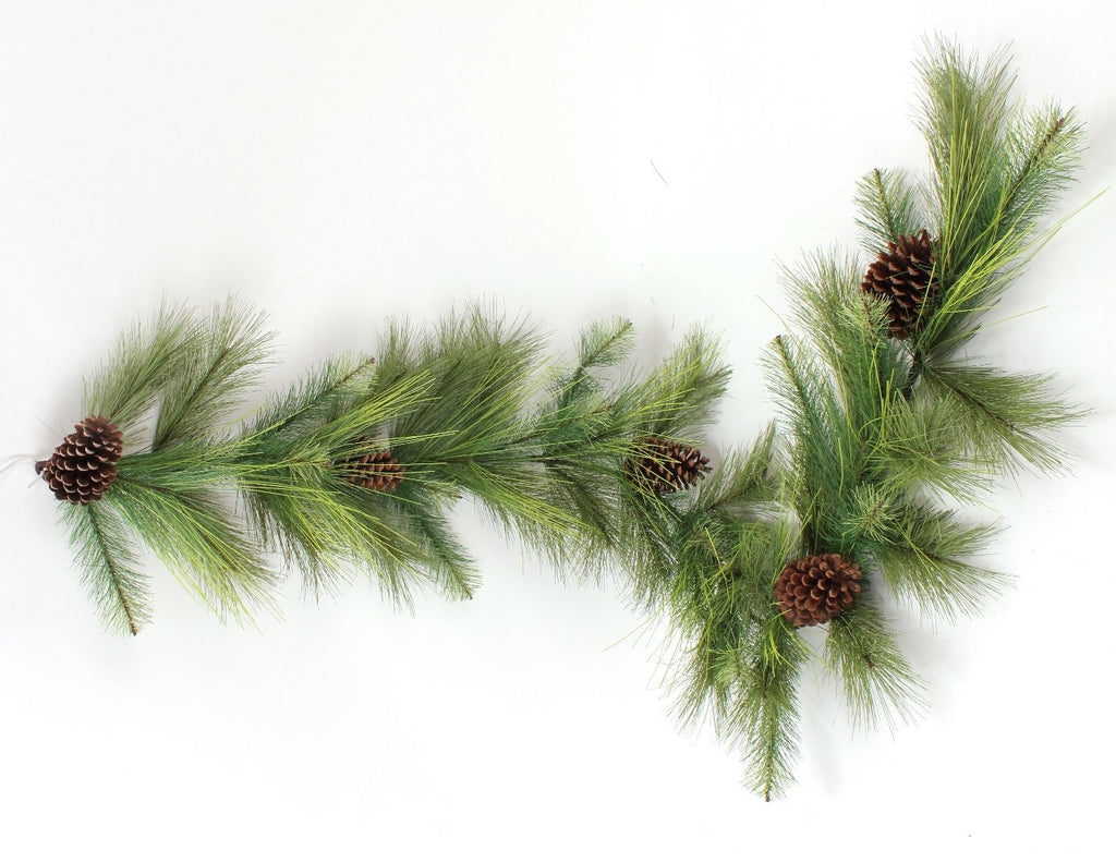 Mixed Pine Teardrop with Pinecones
