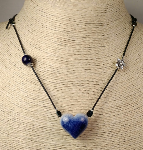 Heart - 0852 navy, adjustable to 23