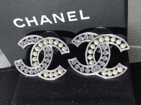 CHANEL 2018B CLASSIC SILVER TONE BIG CC LOGO CRYSTALS AND PEARLS STUDS EARRINGS