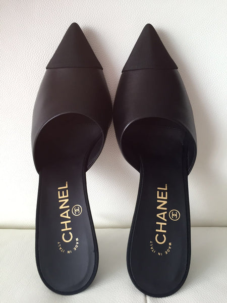 $1.2K 2016 CHANEL RUNWAY BLACK LEATHER SLIDES MULES HEELS SHOES SNAKE PEARL