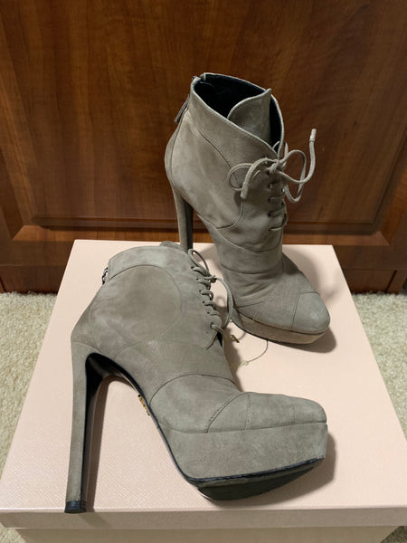 Prada 135mm Gray Taupe Platform Suede Lace Up Bambu Zip Ankle Booties Boots