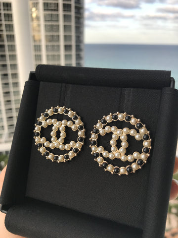 CHANEL WHITE BLACK PEARL GOLD CC LOGO ROUND HUGE STUD EARRINGS