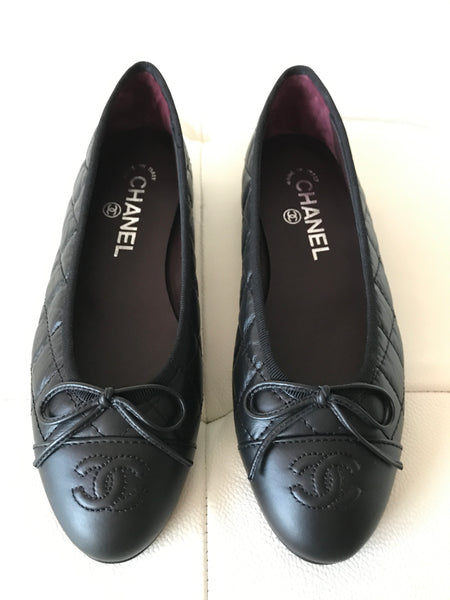 CHANEL BLACK LEATHER QUILTED CAP TOE BALLET BALLERINA FLAT FLATS SHOES