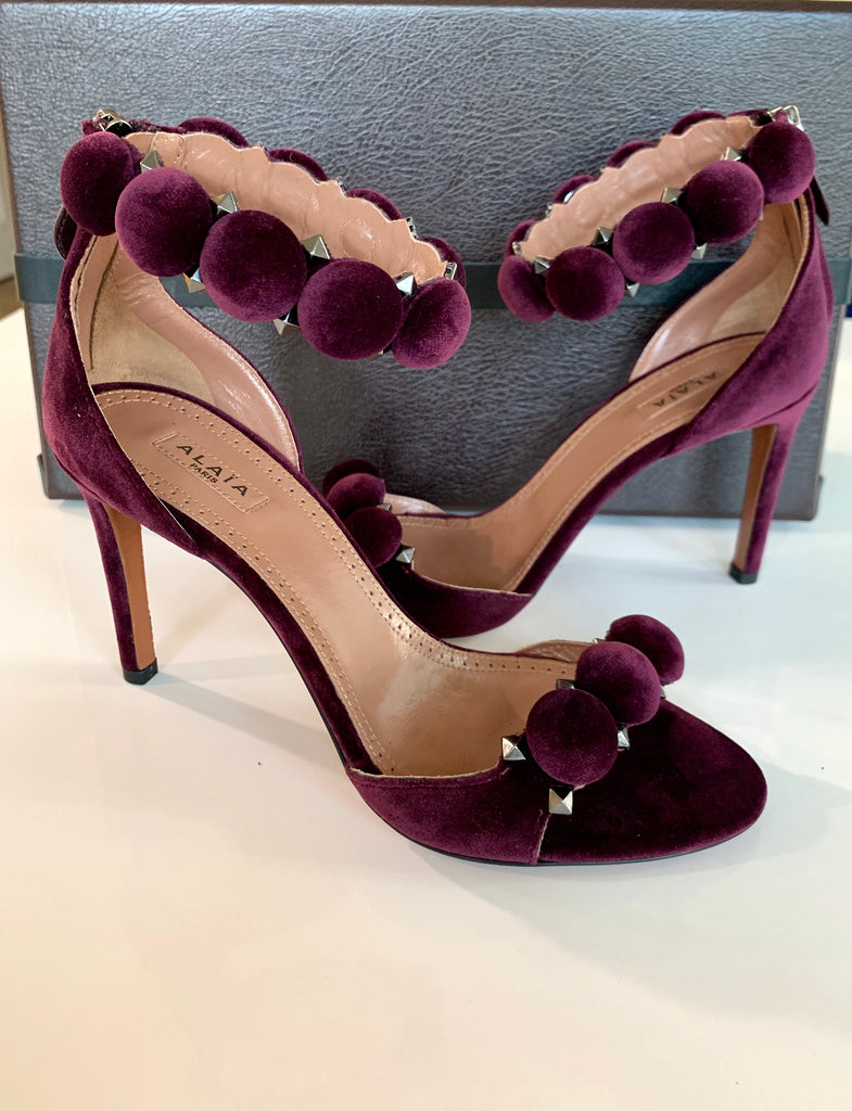ALAIA BOMBE 90 PURPLE VIOLET VELVET STUDS OPEN TOE ANKLE STRAP PUMPS SANDALS