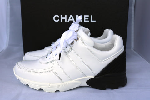 CHANEL 2016 CC LOGO WHITE BLACK LEATHER MESH SNEAKERS TENNIS SHOES TRAINERS