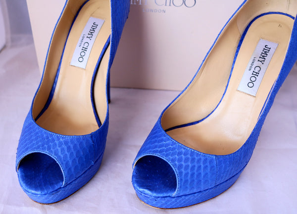 $995 JIMMY CHOO WATER SNAKE SNAKESKIN ELECTRIC BLUE OPEN TOE PUMP PUMPS SHOES