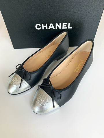 CHANEL BLACK LEATHER MATTE SILVER CAP TOE BALLET BALLERINA FLAT FLATS SHOES