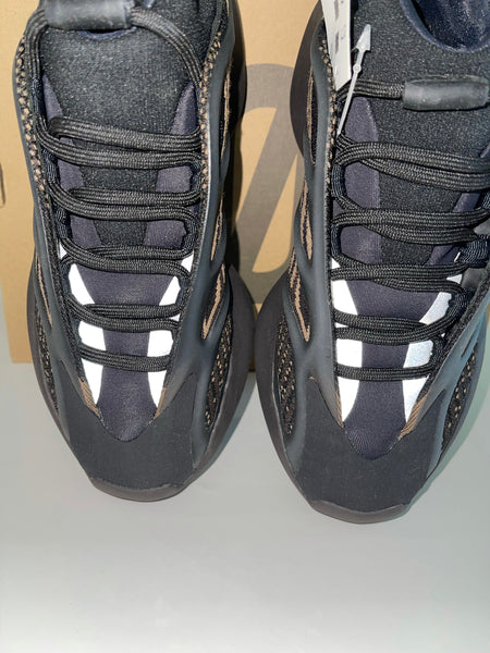 Yeezy Boost 700 Adidas Clay Brown Lace Up Sneakers Black