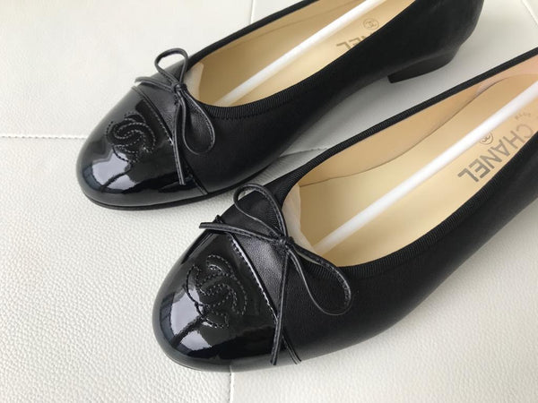 Chanel Black Leather Patent Cap Toe CC Logo Ballet Ballerina Flats