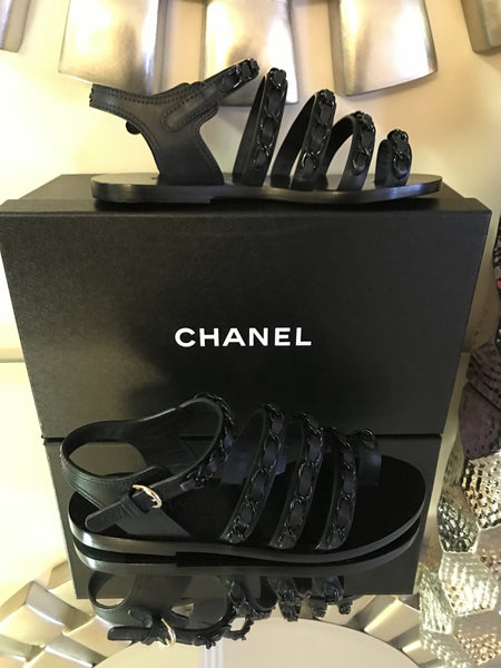 $1.2 CHANEL SS 17 CC LOGO CHAINED TOE RING BLACK CHAINS FLAT SANDALS SHOES