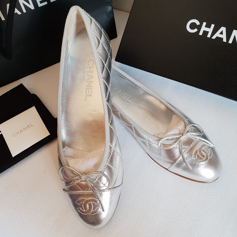 Chanel Silver Metallic Quilted Ballet Flats