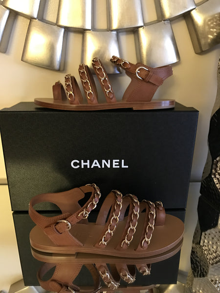 $1.2 CHANEL SS 17 CC LOGO CHAINED TOE RING BEIGE BROWN CHAINS FLAT SANDALS SHOES