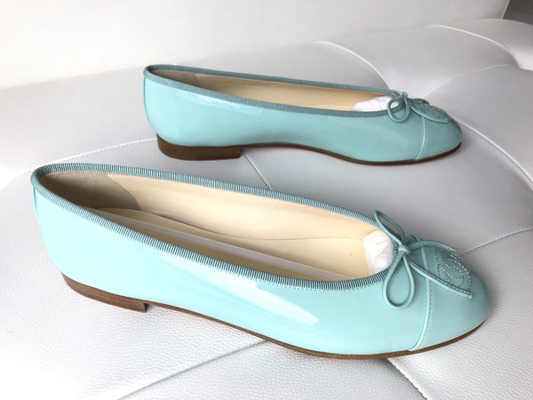 CHANEL LIGHT GREEN PATENT LEATHER BALLET BALLERINA FLAT FLATS SHOES