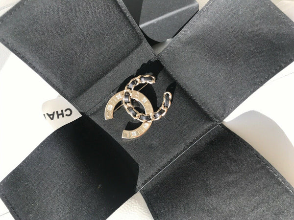 CHANEL 2019 S CC LOGO GOLDEN CRYSTALS BLACK CHAIN BROOCH CLASSIC COLLECTION PIN