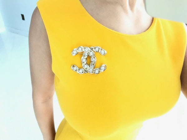 CHANEL 2019S GOLDEN TONE CC LOGO WHITE CRYSTALS BROOCH PIN CHARM