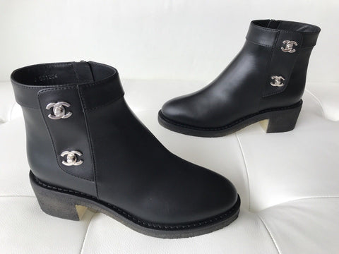 $1550 CHANEL BLACK LEATHER SHORT ANKLE BOOTIES BOOTS SILVER CC LOGO LOCK