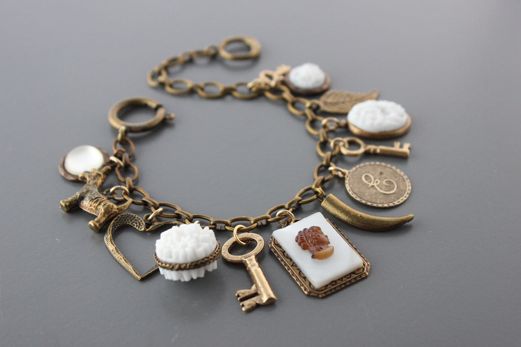 ZCMB8 VINTAGE MOTHER OF PEARL CHARM BRACELET