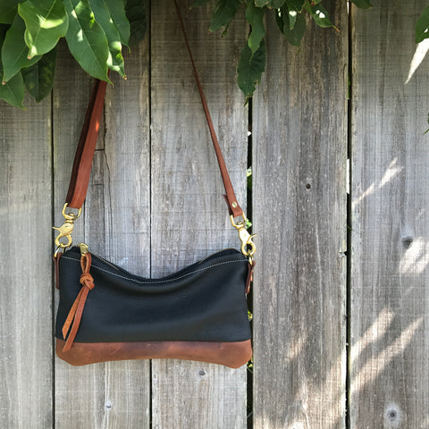 The Willamette Crossbody- leather