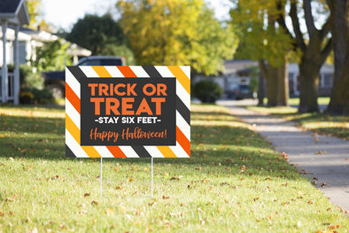 TRICK OR TREAT - STAY SIX FEET