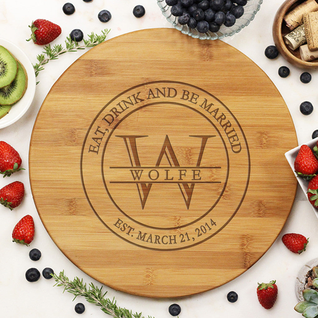"Round Cutting Board ""Wolfe"""