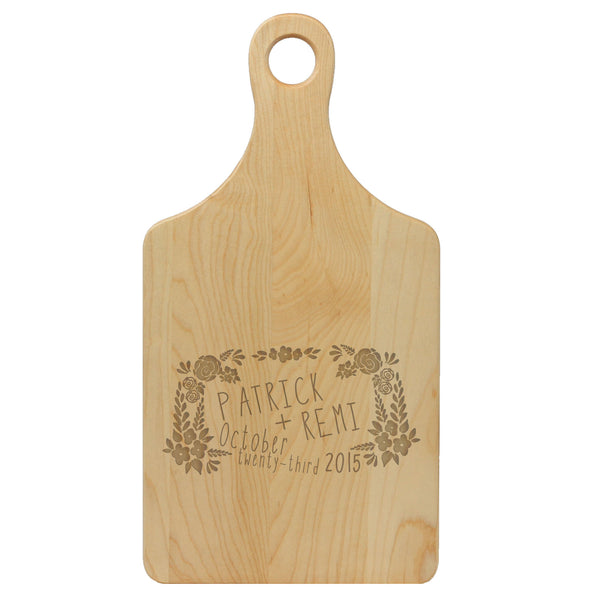 "Paddle Cutting Board ""Patrick & Remi"""