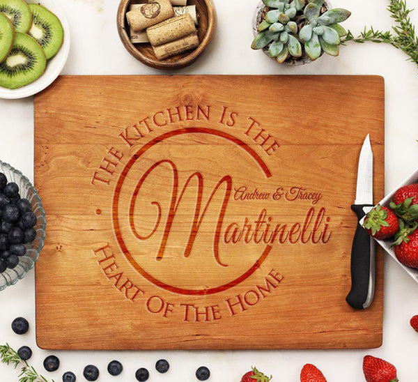 "Cutting Board ""Martinelli - The Kitchen is the Heart of the Home"""