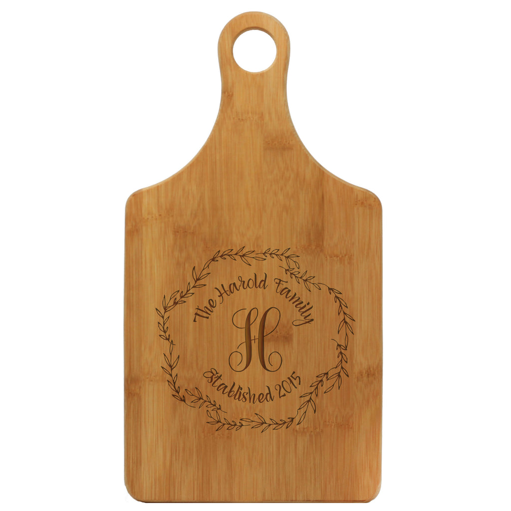 "Paddle Cutting Board ""Harold Family Wreath"""