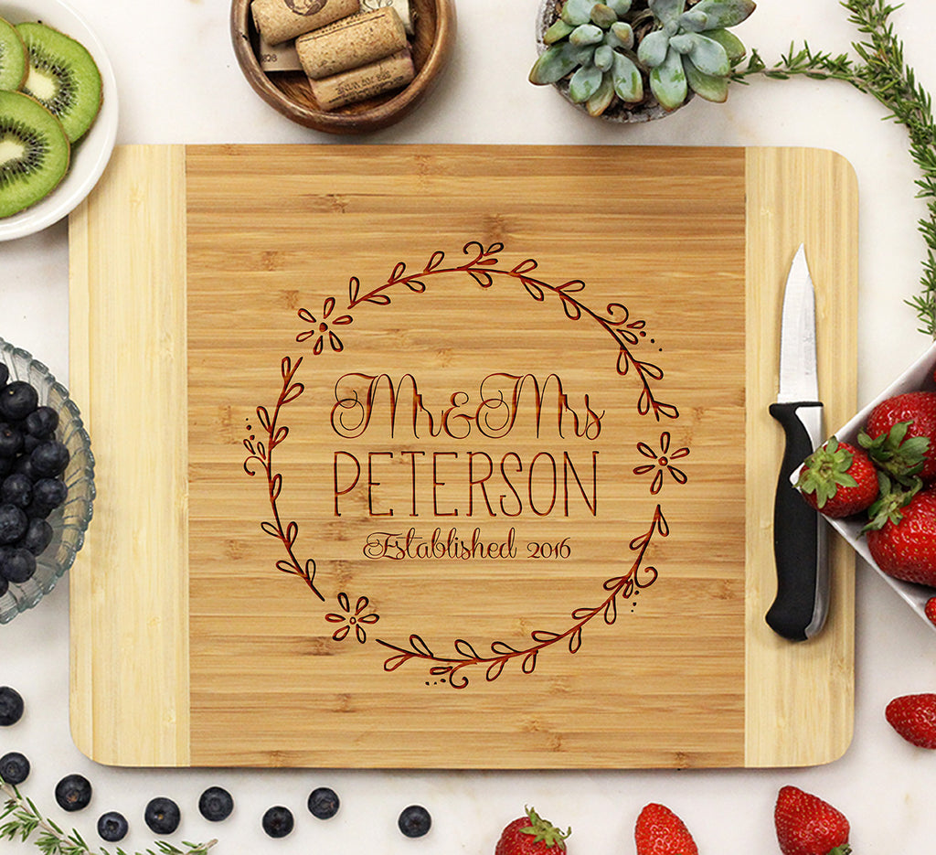 "Cutting Board ""Mr & Mrs Circle Leafs"""