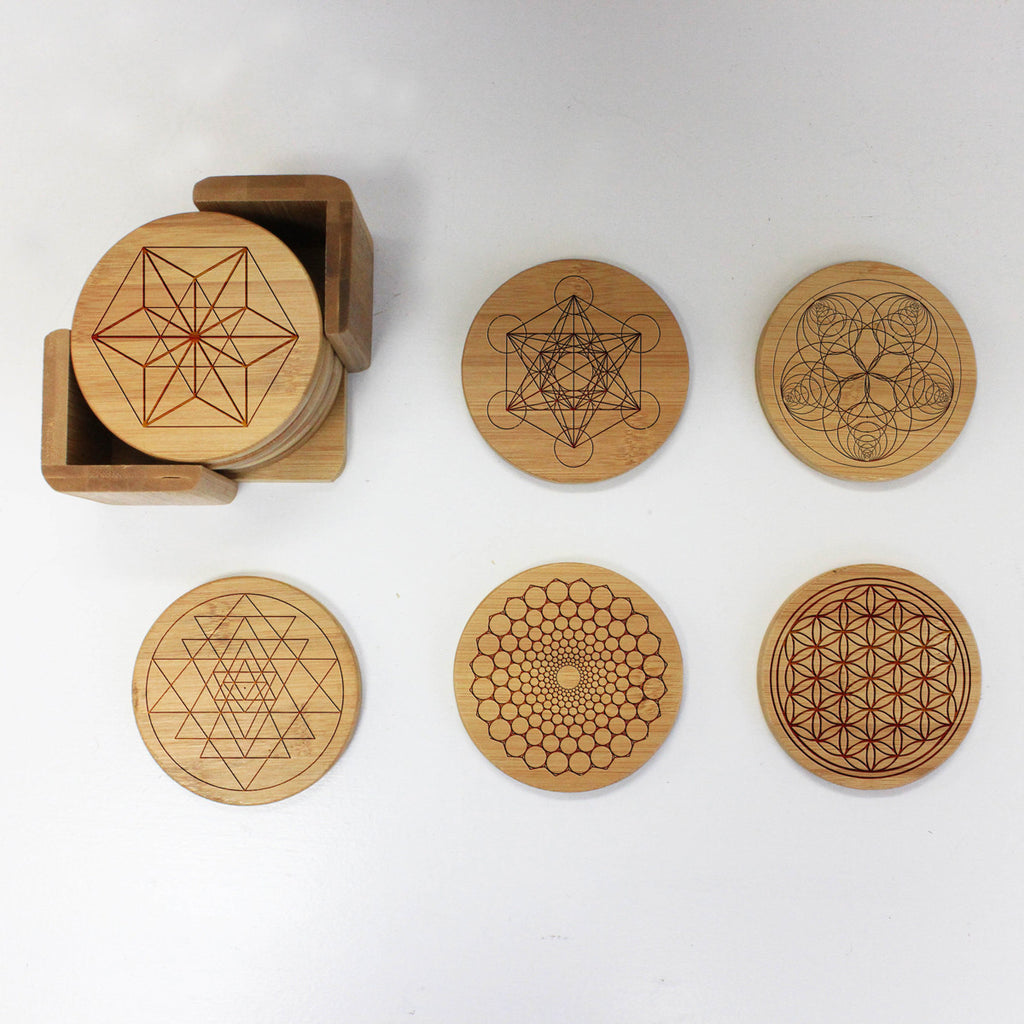 "Engraved Bamboo Coaster Set ""Line Geometric Shapes"""