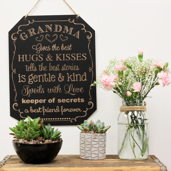Grandma Gives The Best Hugs & Kisses Sign
