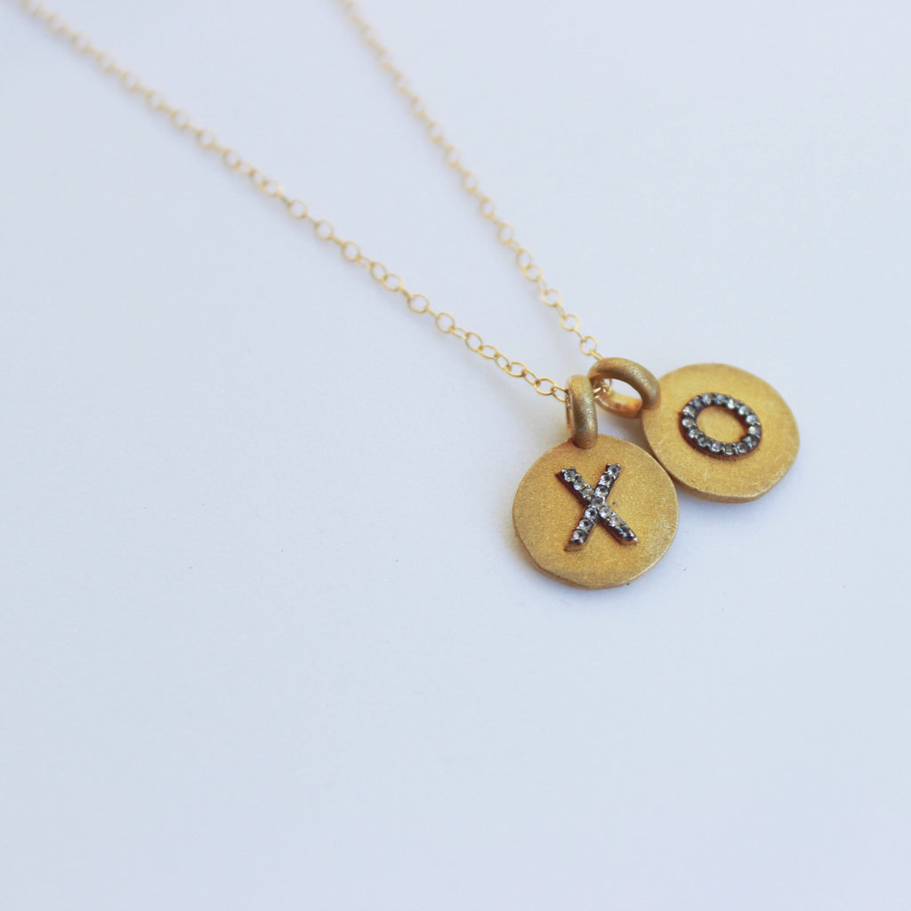 P15-XO Initial Coin Necklace, Necklaces - Luna Lili Jewelry