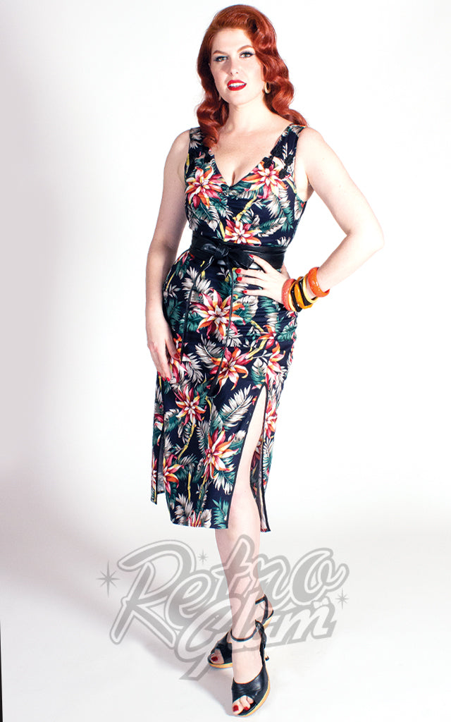 The Oblong Box Bamboo Tamboo Dress in Pretty Pointsettas Print