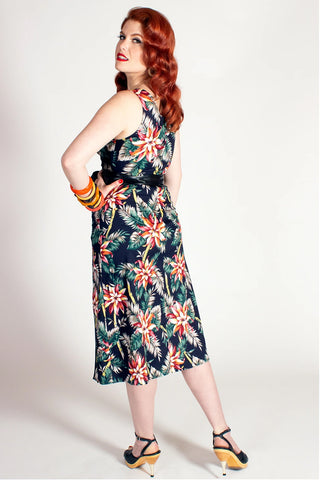 The Oblong Box Bamboo Tamboo Dress in Pretty Pointsettas Print back