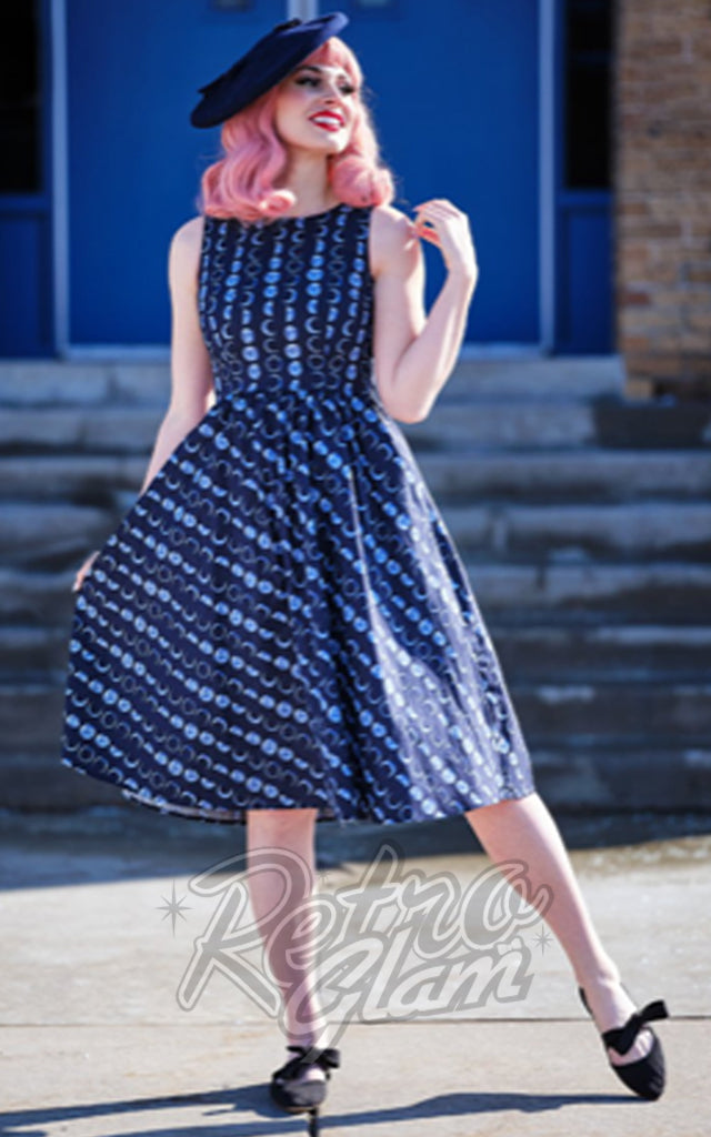 Retrolicious Midi Dress in Let