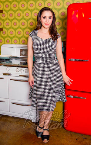 Retrolicious Amelia Dress in Houndstooth