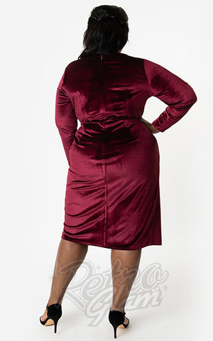 Unique Vintage Damsel Dress in Burgundy Velvet curvy back