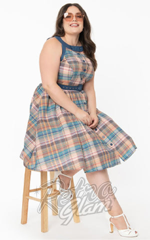 Unique Vintage Maxine Swing Dress in Multicoloured Plaid curvy model
