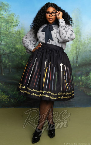 Unique Vintage X Harry Potter Wands & Spells Swing Skirt curvy model