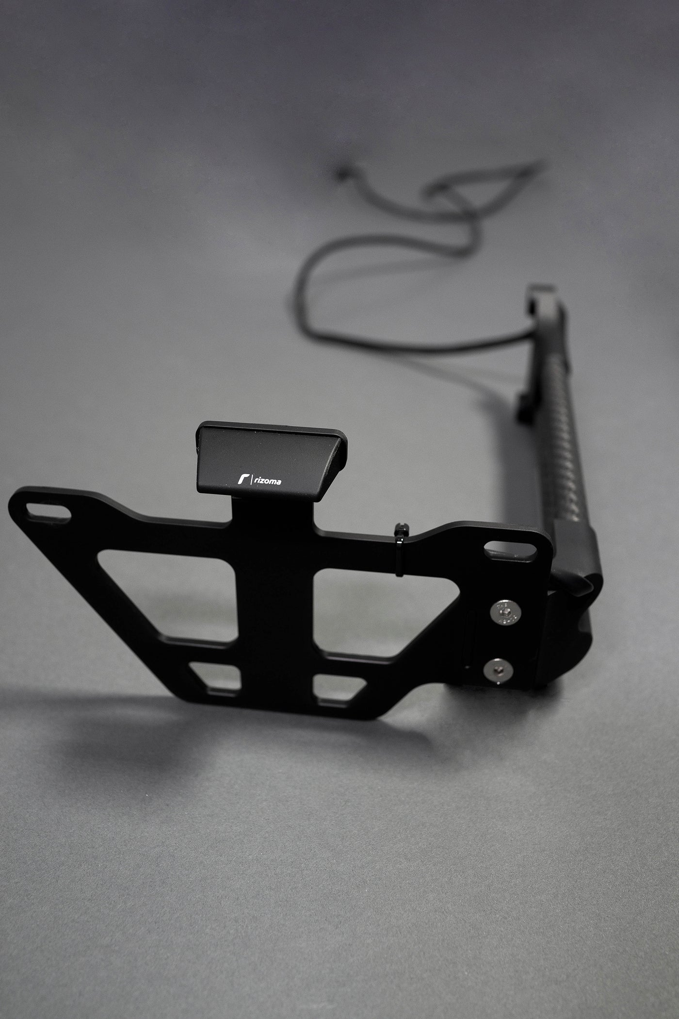 Daedalus BMW R nineT Swingarm License Plate Mount
