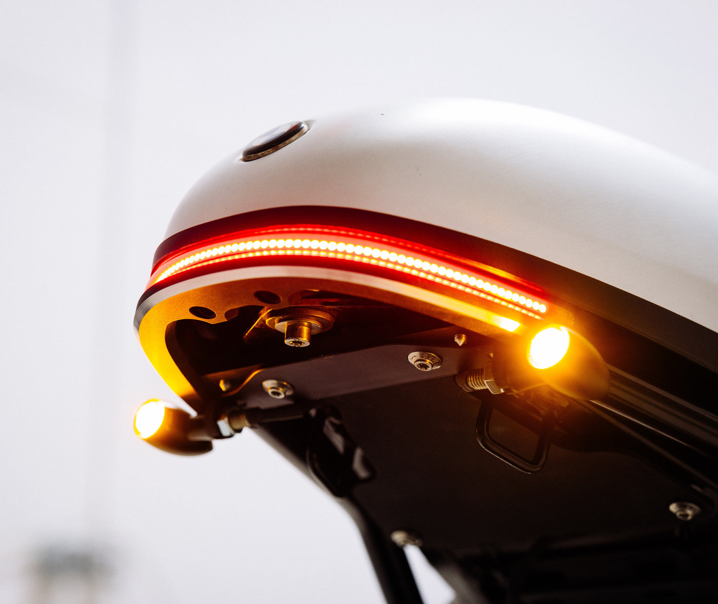 BMW R Nine T Tail Light Tidy + External Signal Mount | Daedalus Design