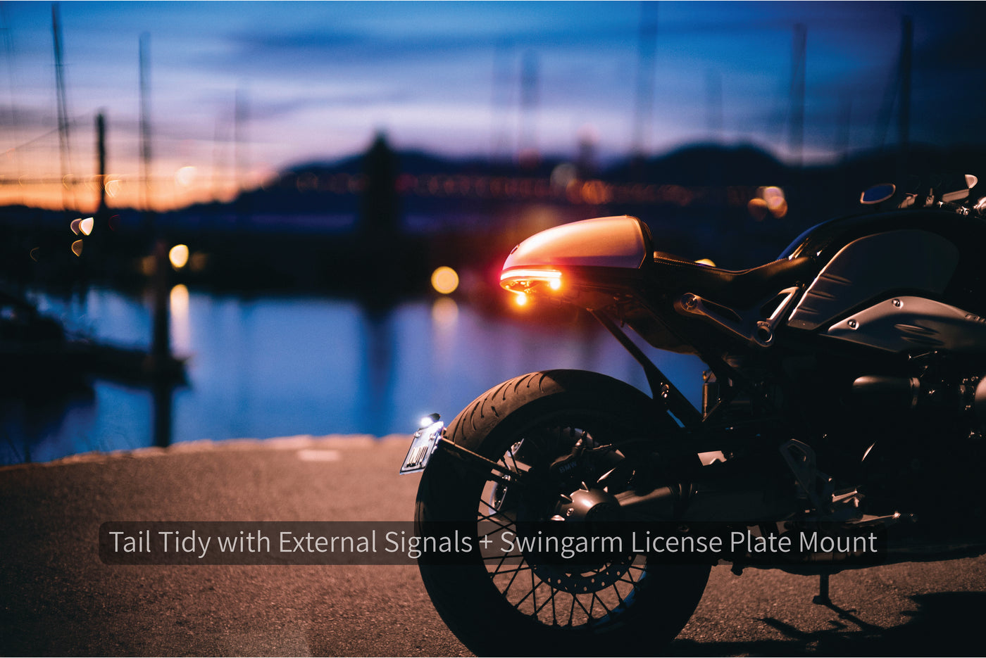 Daedalus Tail Tidy with Club S External Signals by Rizoma and Swingarm License Plate Mount - BMW R nineT