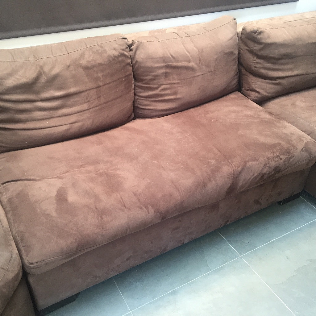 Dark-Brown Three-Piece Sectional Sofa w/ Chaise (#6996)***