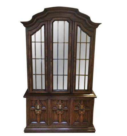 Handsome Drexel Heritage China Cabinet (#6251) - The Things And Stuff - 1