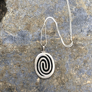 Spiral Onix Silver Pendant